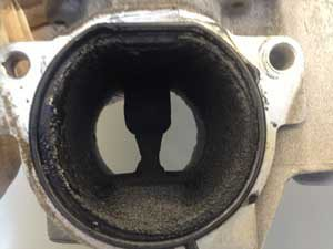 Images above of  Contaminated, injectors, EGR valves and swirl flaps.